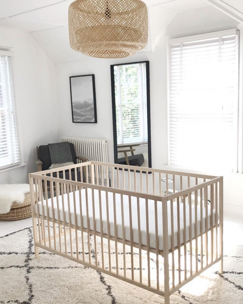 Milano Windsor column radiator in a nursery.